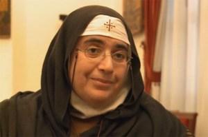 Mère Agnès Mariam de la Croix, auteure du rapport controversé d'ISTEAMS