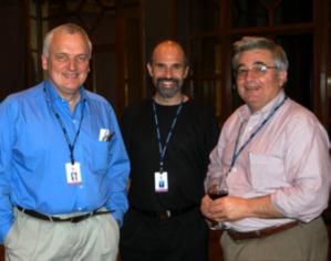 John Rendon (à droite) au Highlands Forum, en compagnie du préesntateur de la BBC Nik Gowing (à gauche) et Jeff Jonas, ingénieur-en-chef chez IBM Entity Analytics (au milieu)